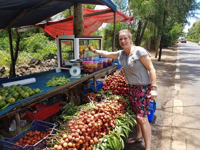 Mauritius: Rambutans kopen langs de weg